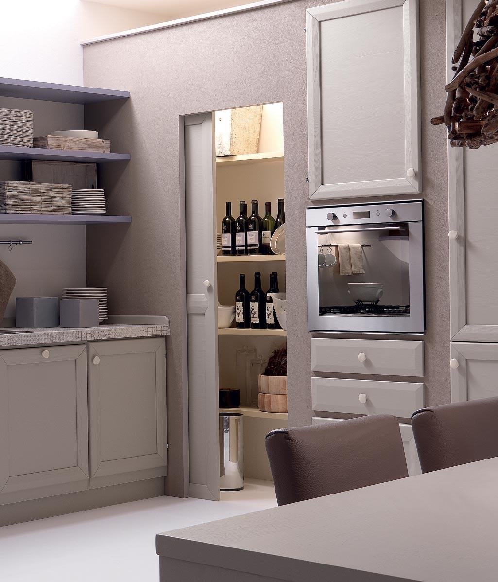 frassino massello e mobili curati in ogni dettaglio come il tavolo e ...